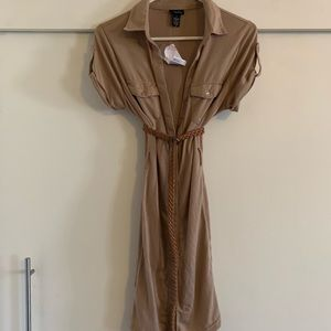 Rue 21 beige dress size M NWT *belt not included*